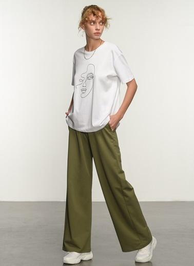 People By Fabrika Kadın Baskılı  Tişört PFKSS21TS0014 Beyaz